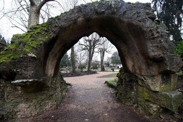 perigueux amphitheatre ruins france roman.png