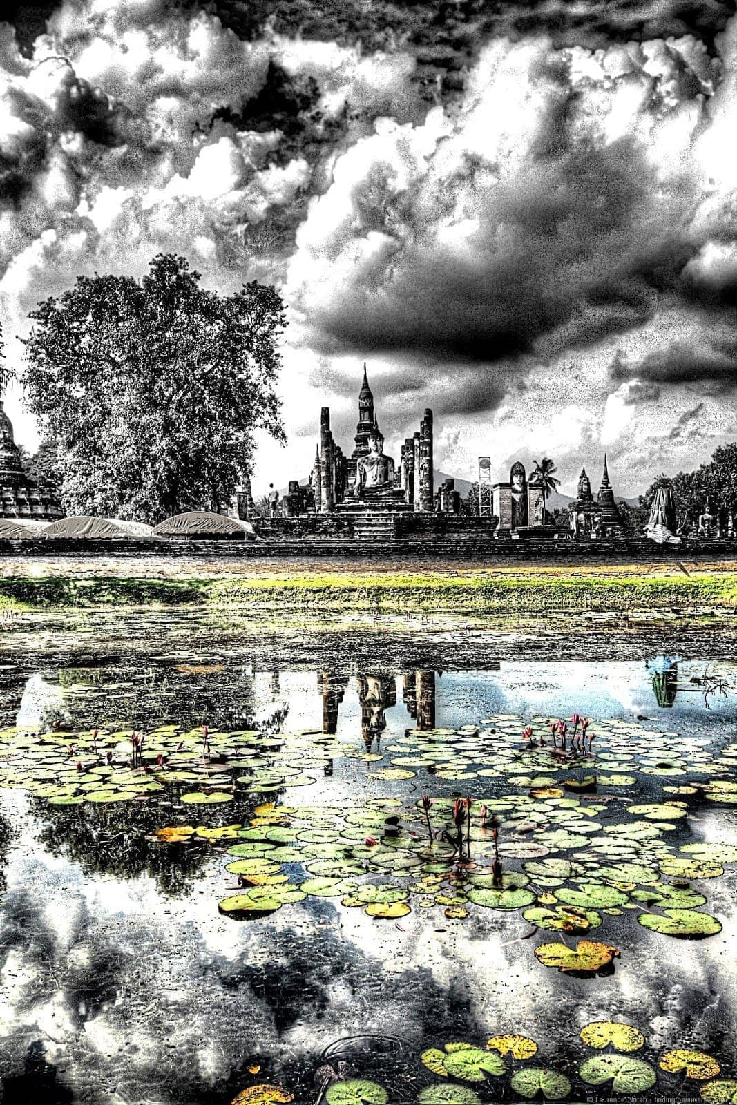 Wat reflection pond