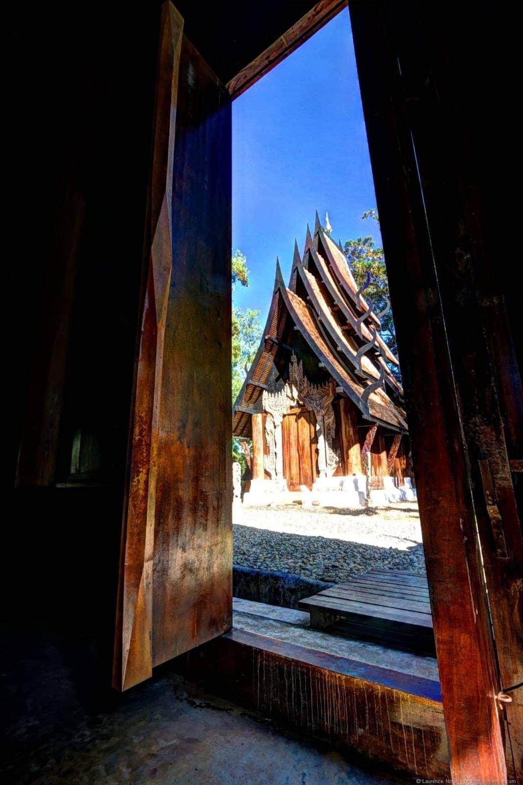 Black temple Chiang Rai Doorway
