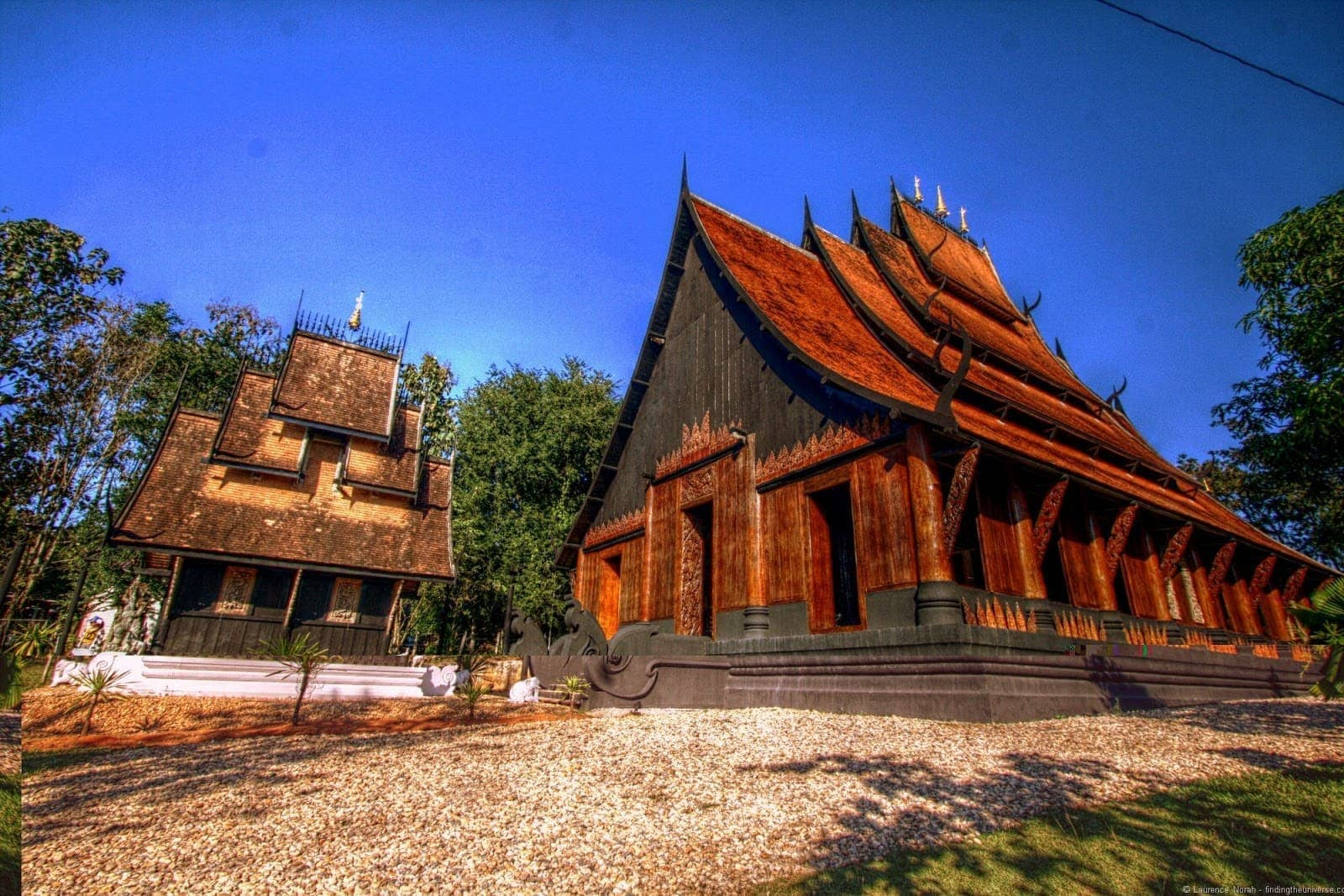 Black temple Chiang Rai Main building front and small building