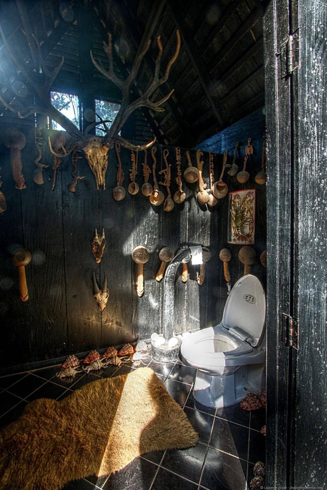 Crazy toilet Chiang Rai black temple