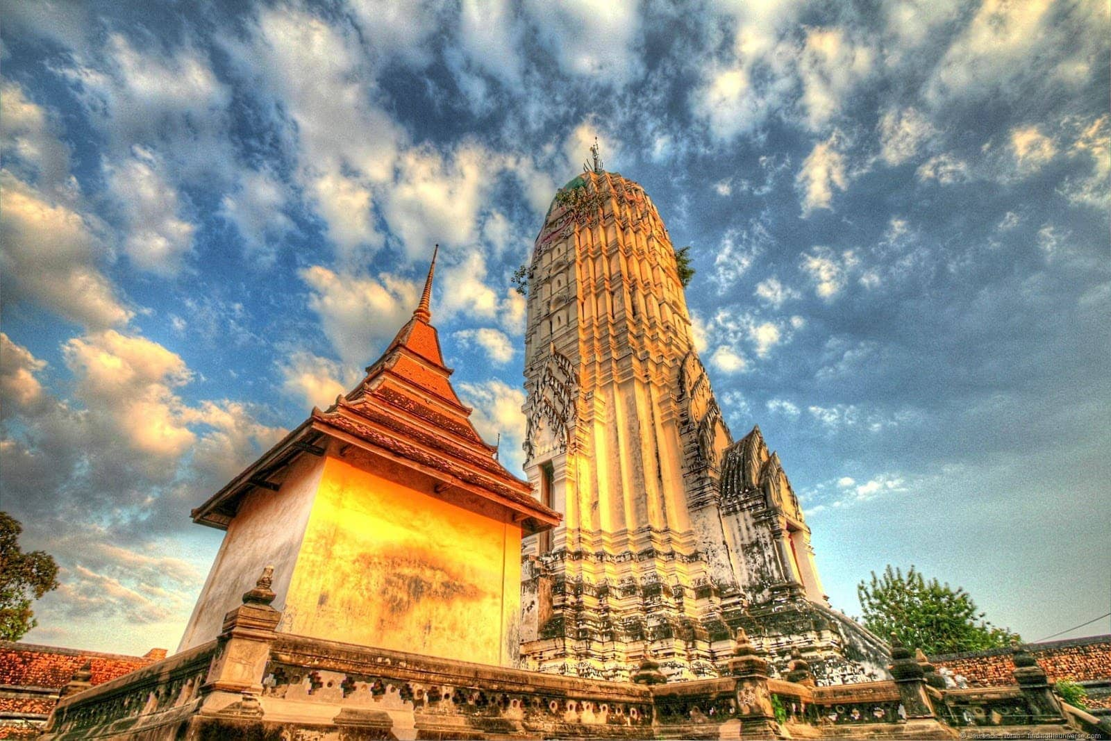 Prang temple Wat Ayutthaya sunset