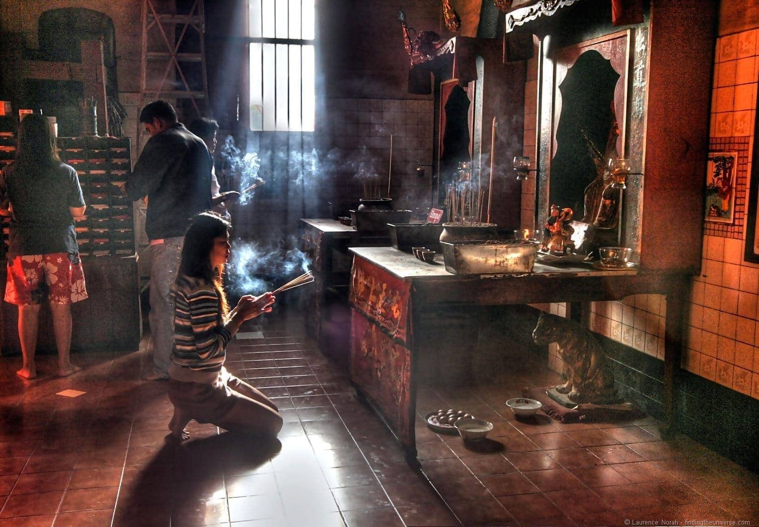 Trang Chinese Temple lady praying