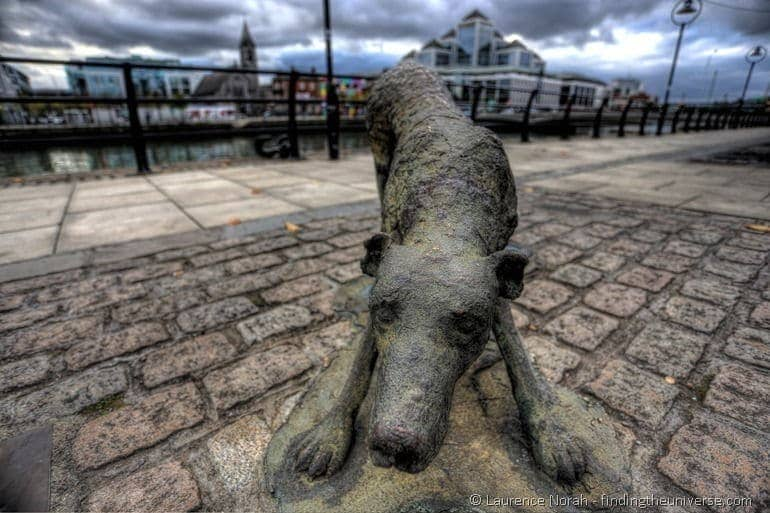Statue of famine dog Dublin