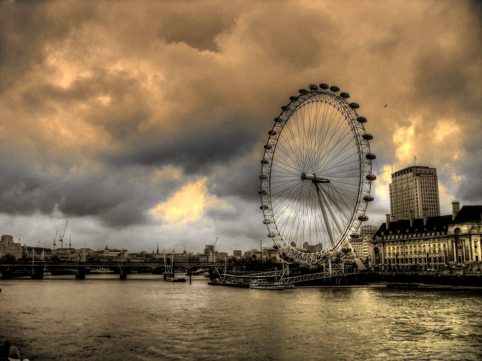 london eye crazy sky