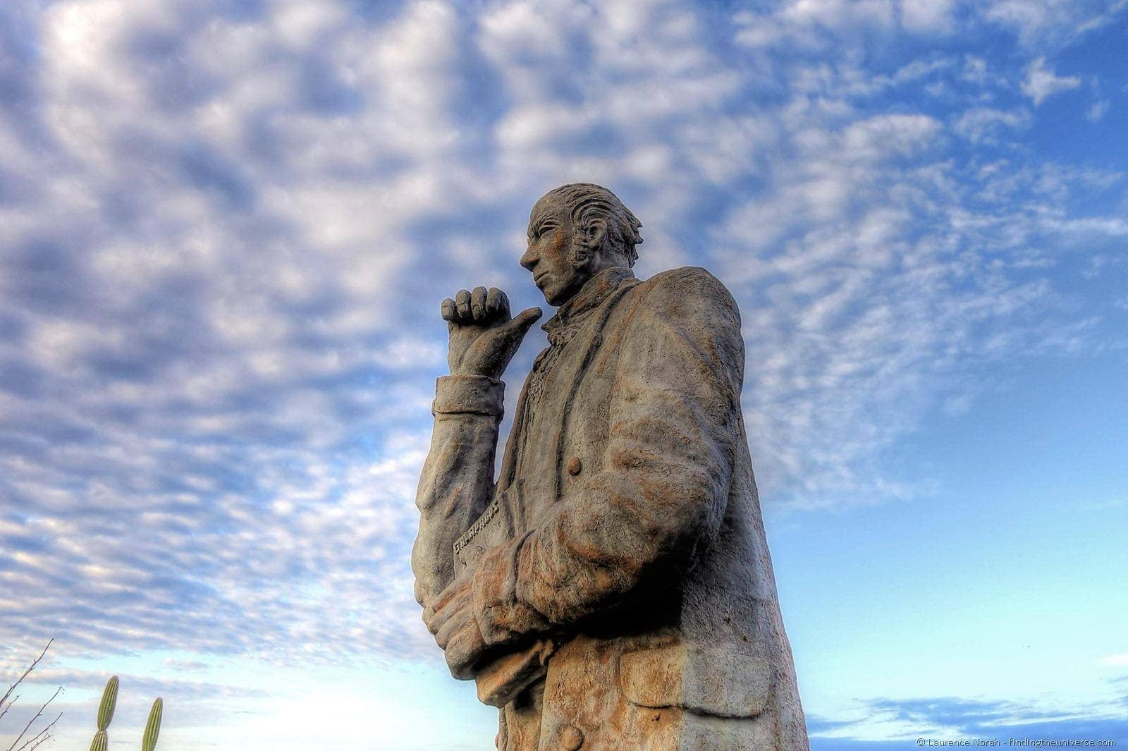 darwin statue san cristobal Galapagos