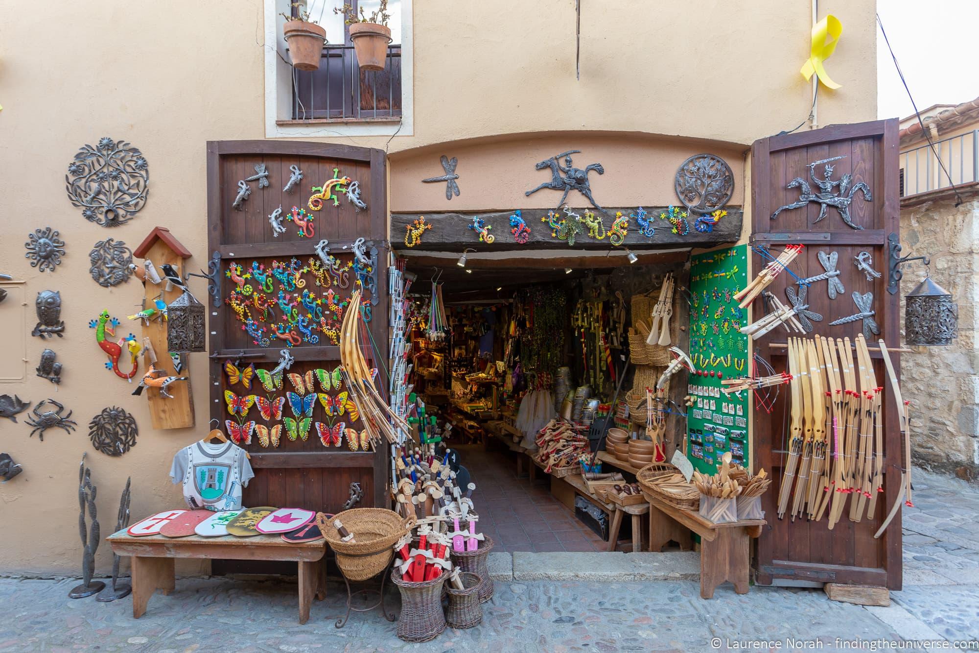 Besalu souvenir shop