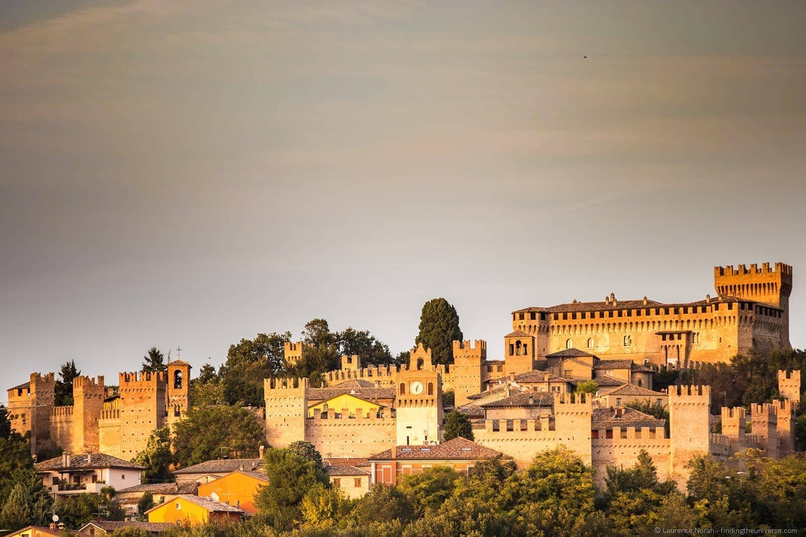 castello di gradara at sunset