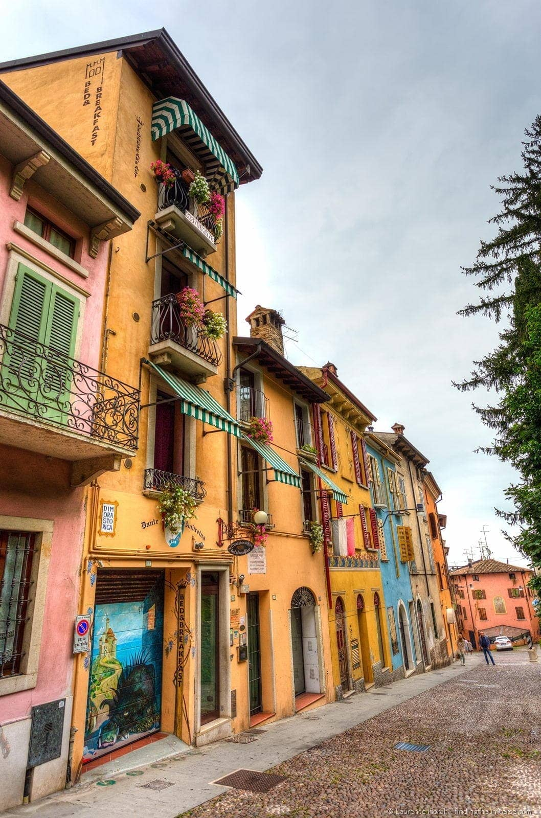 houses of desenzano italy