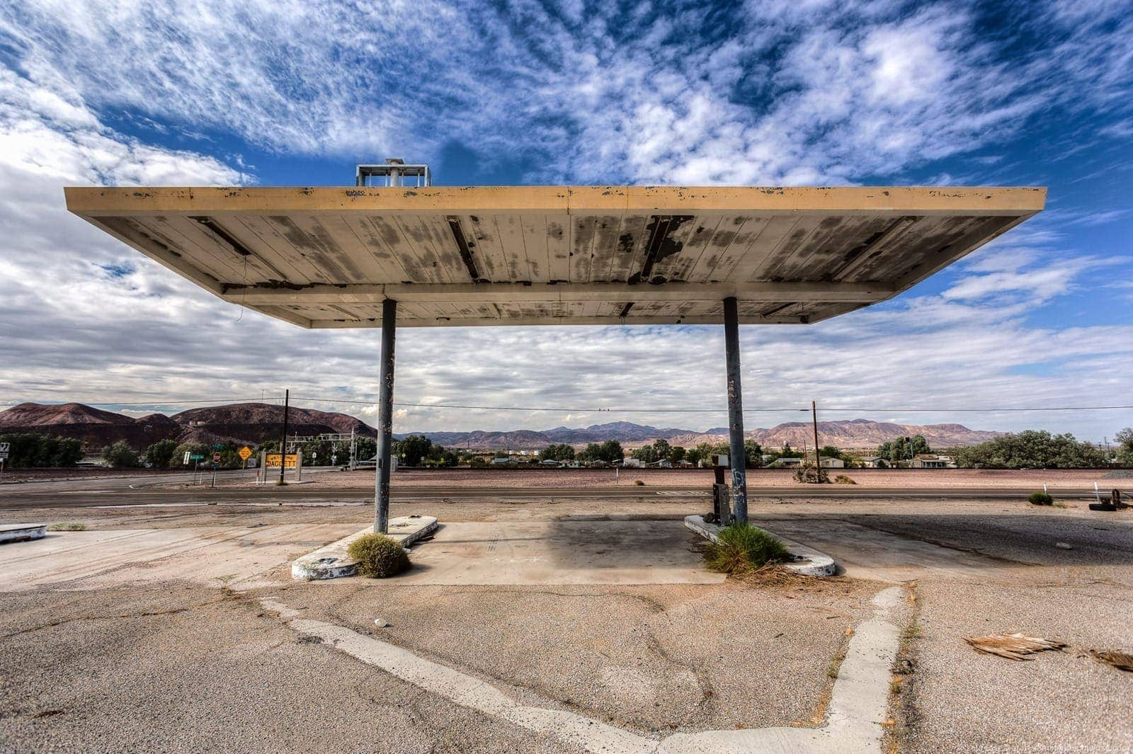 Abandoned gas station Route 66 California
