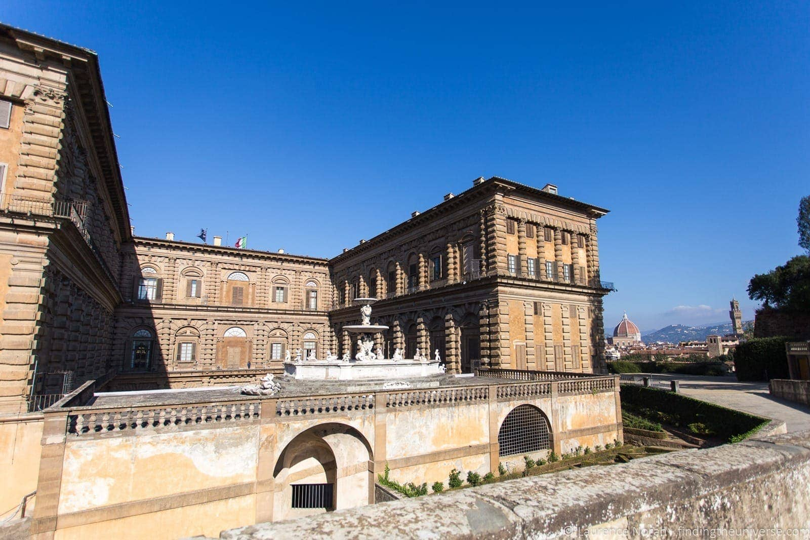 Pitti Palace outside