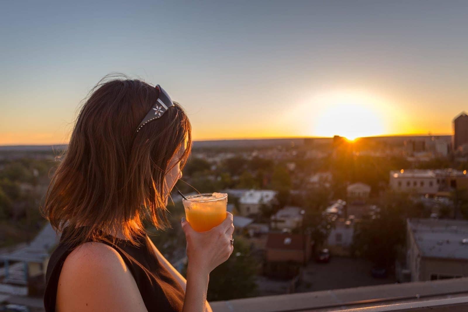 Rooftop sunset Apothecary Lounge hotel Parq Central_by_Laurence Norah