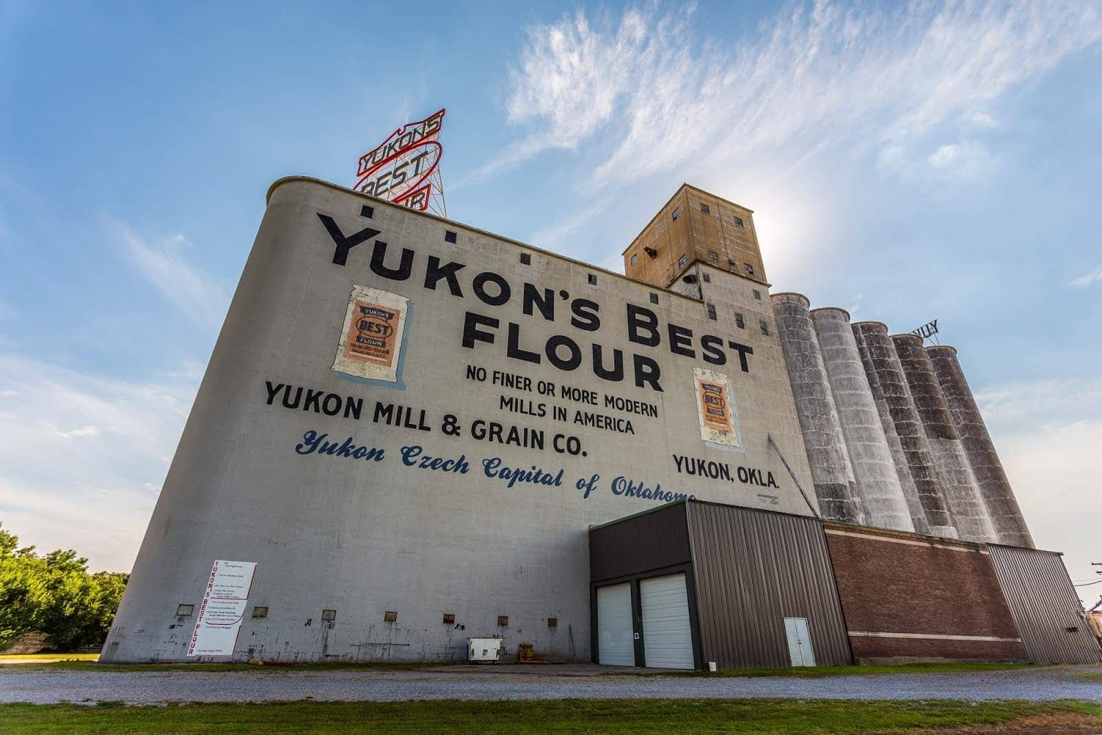 Flour mill yukon Route 66 Oklahoma_by_Laurence Norah