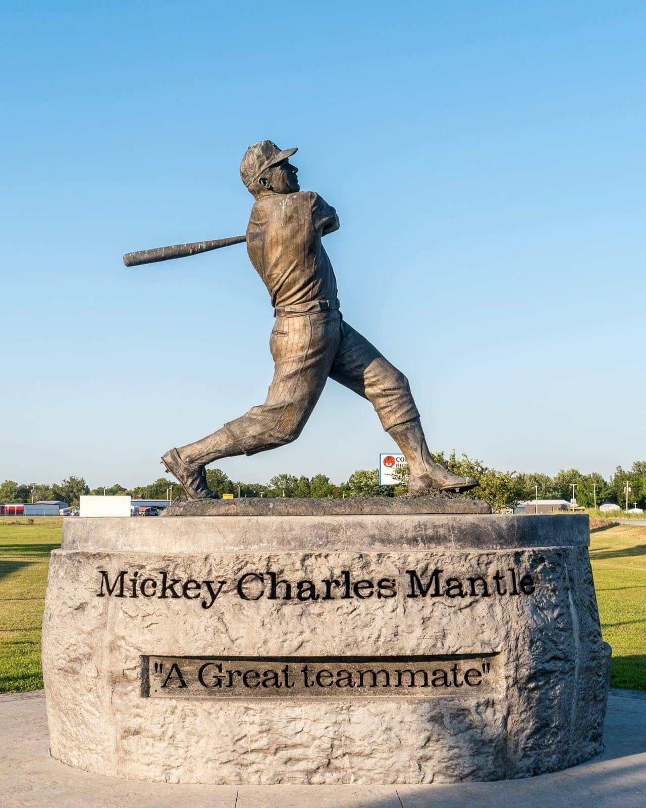 mickey mantle statue Route 66 Oklahoma_by_Laurence Norah