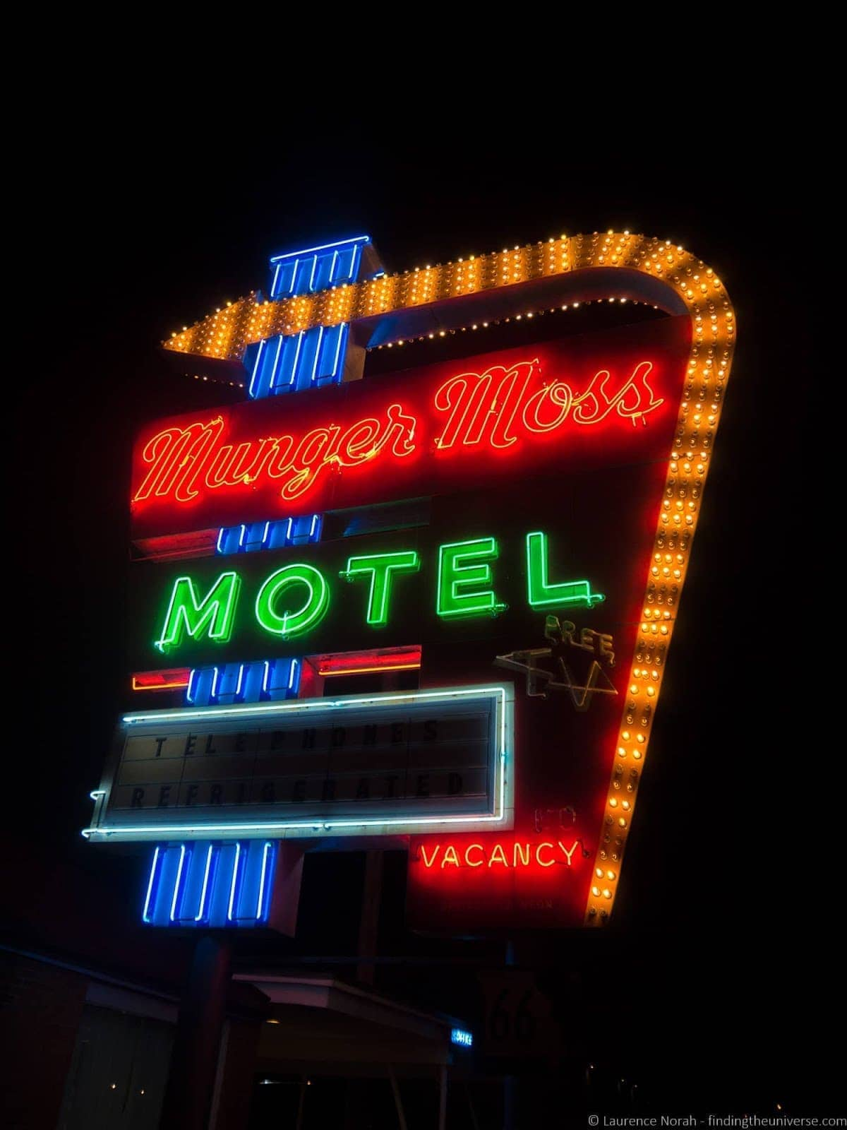 Route 66 Missouri - Munger Moss Motel sign_by_Laurence Norah-2