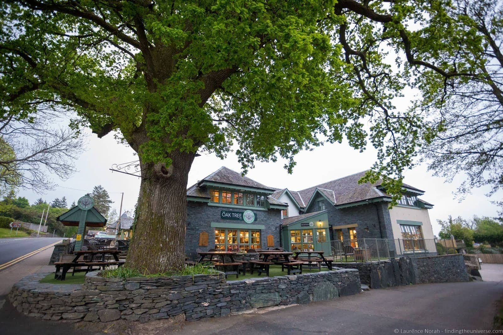 Oak tree inn Trossachs Loch Lomond_by_Laurence Norah-2
