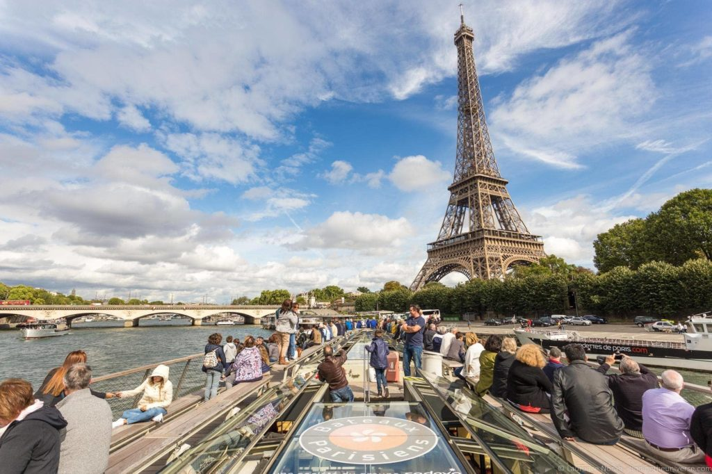 Seine River Cruise Paris_by_Laurence Norah