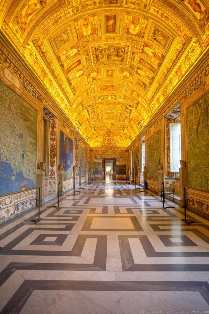 2 days in Rome - Vatican Map Room Empty