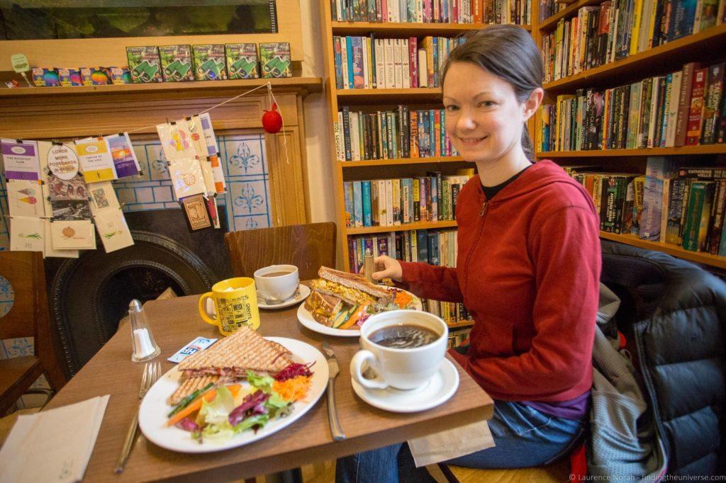 Aberdeen restaurants - Books and Beans Aberdeen