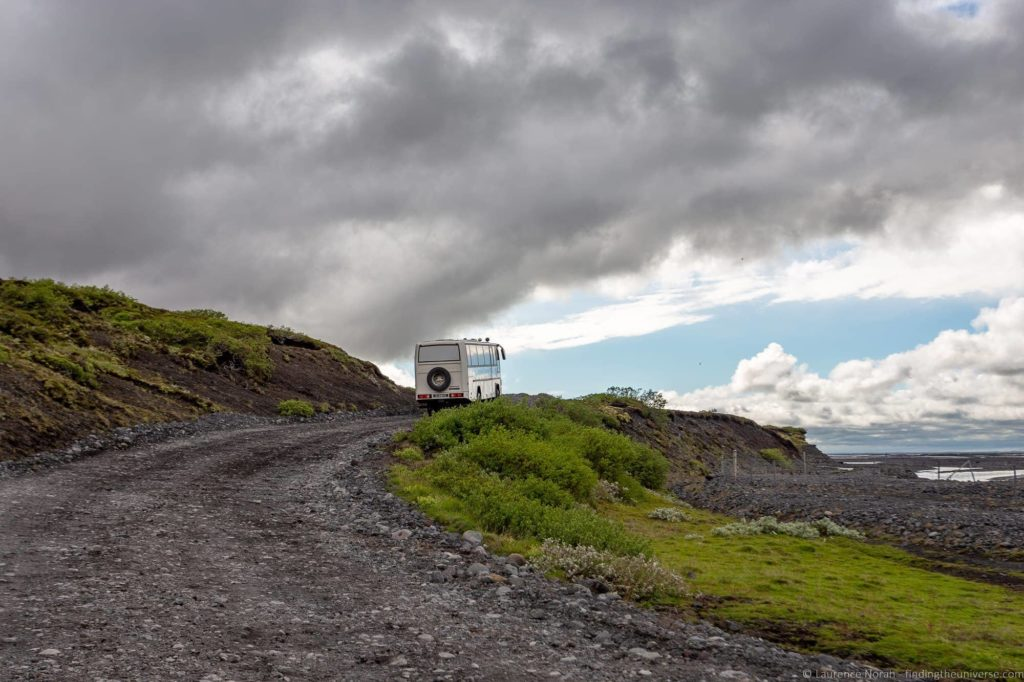 Coach Tour Iceland offroad