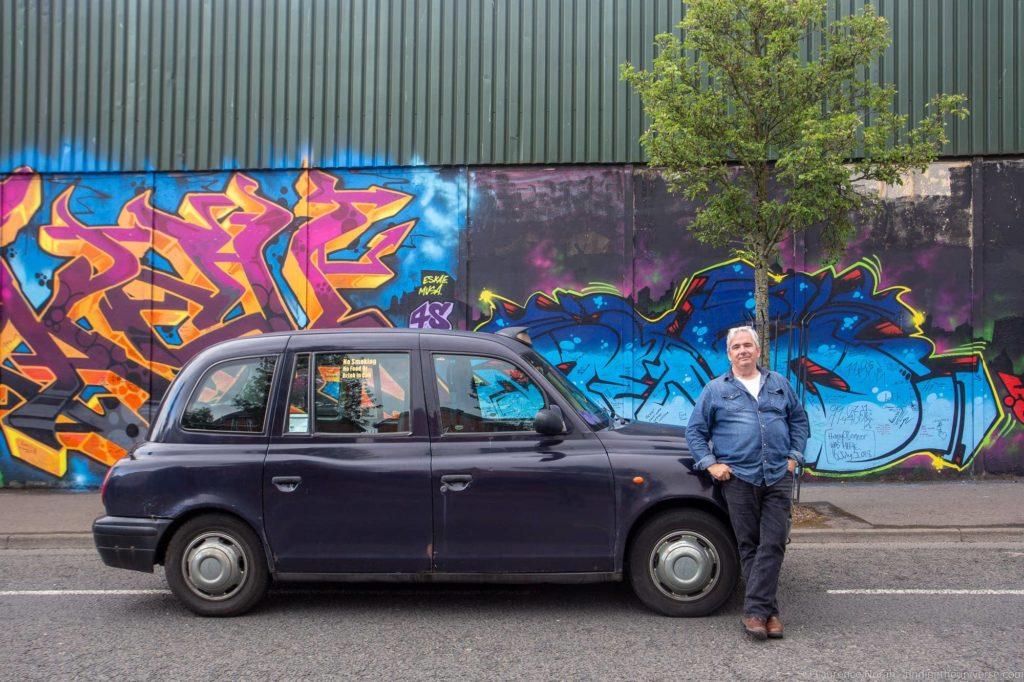 Black cab mural tours belfast