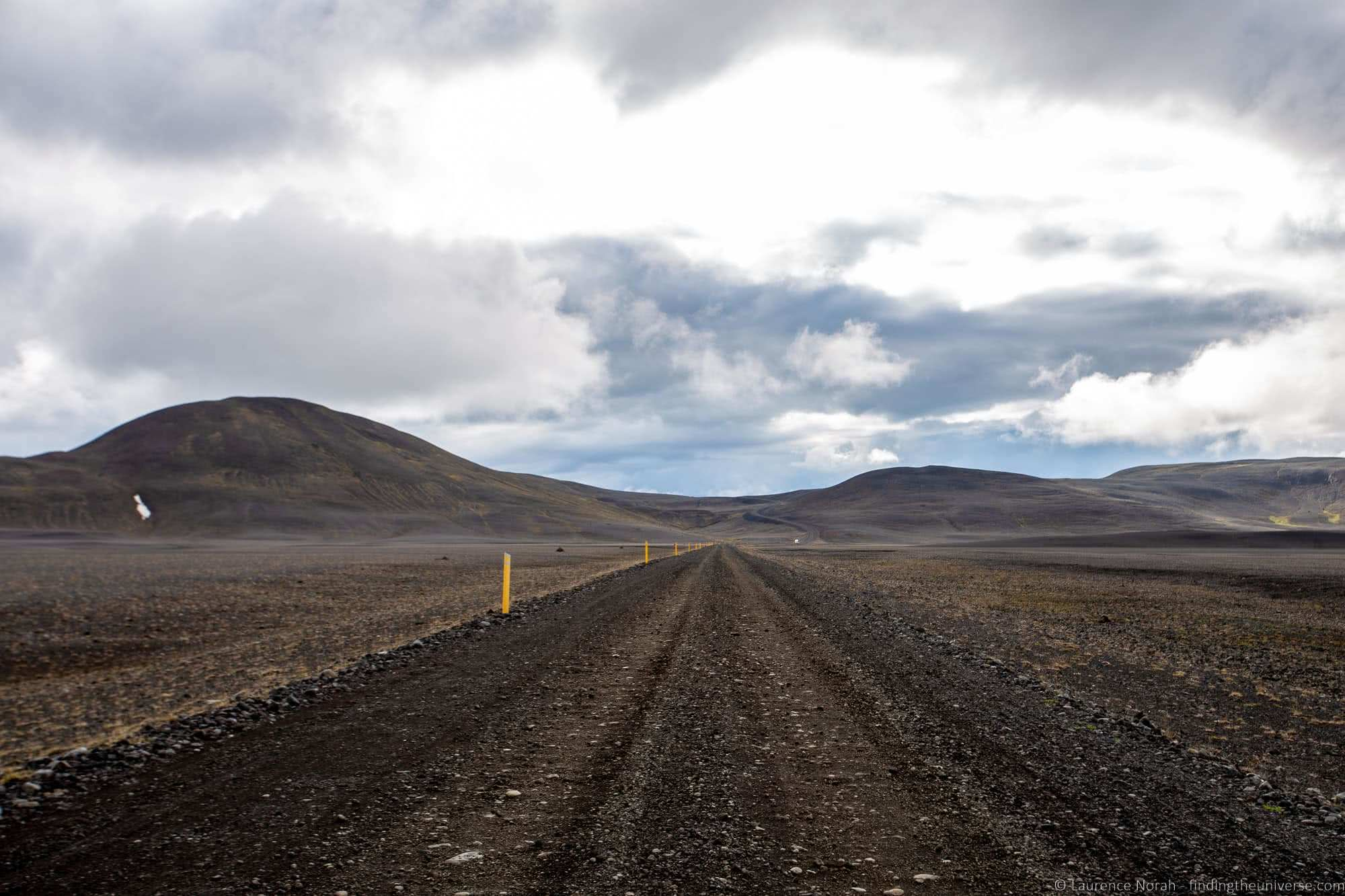 Iceland gravel road_by_Laurence Norah