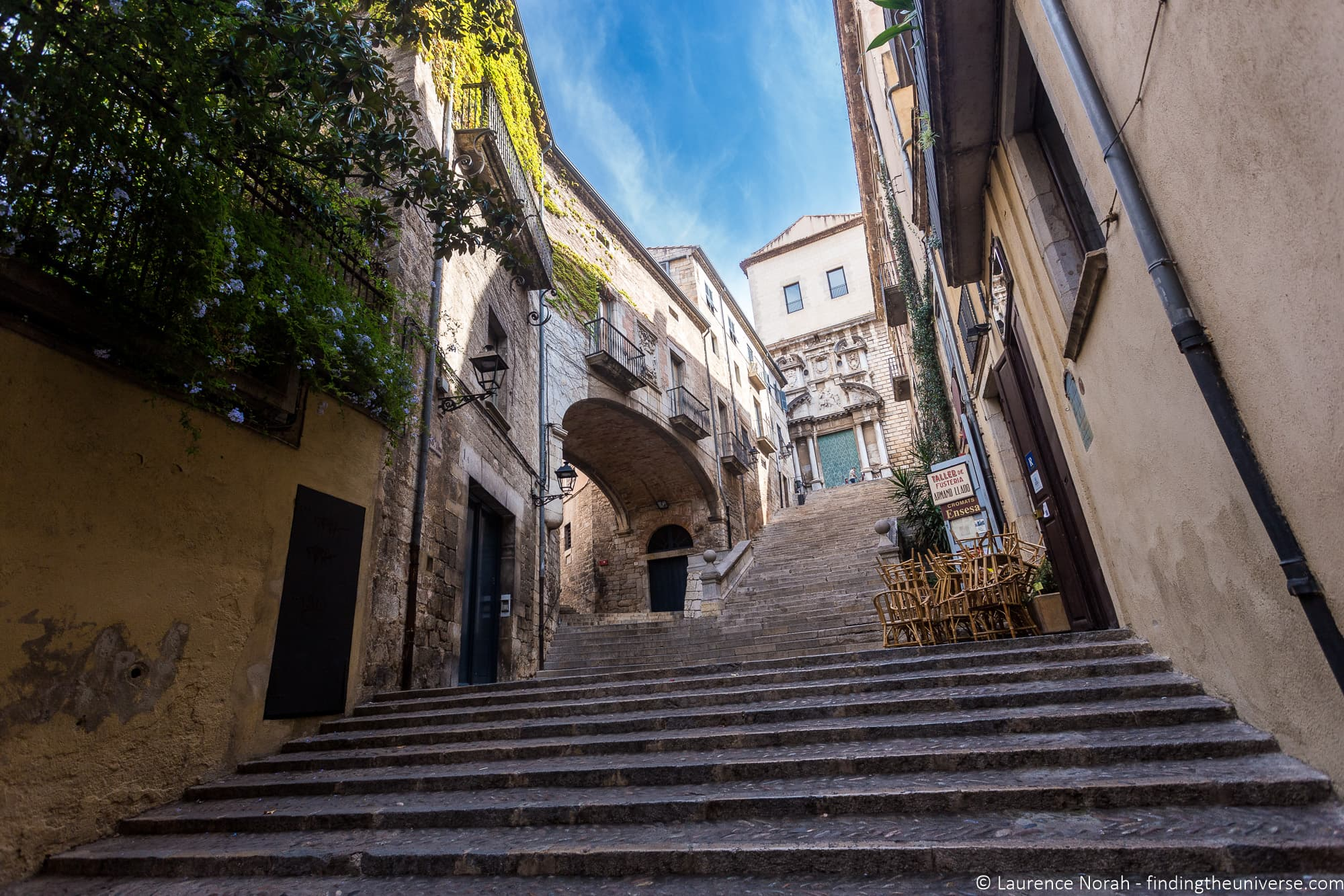 Streets of Girona game of thrones filming location Le Bistrot ar