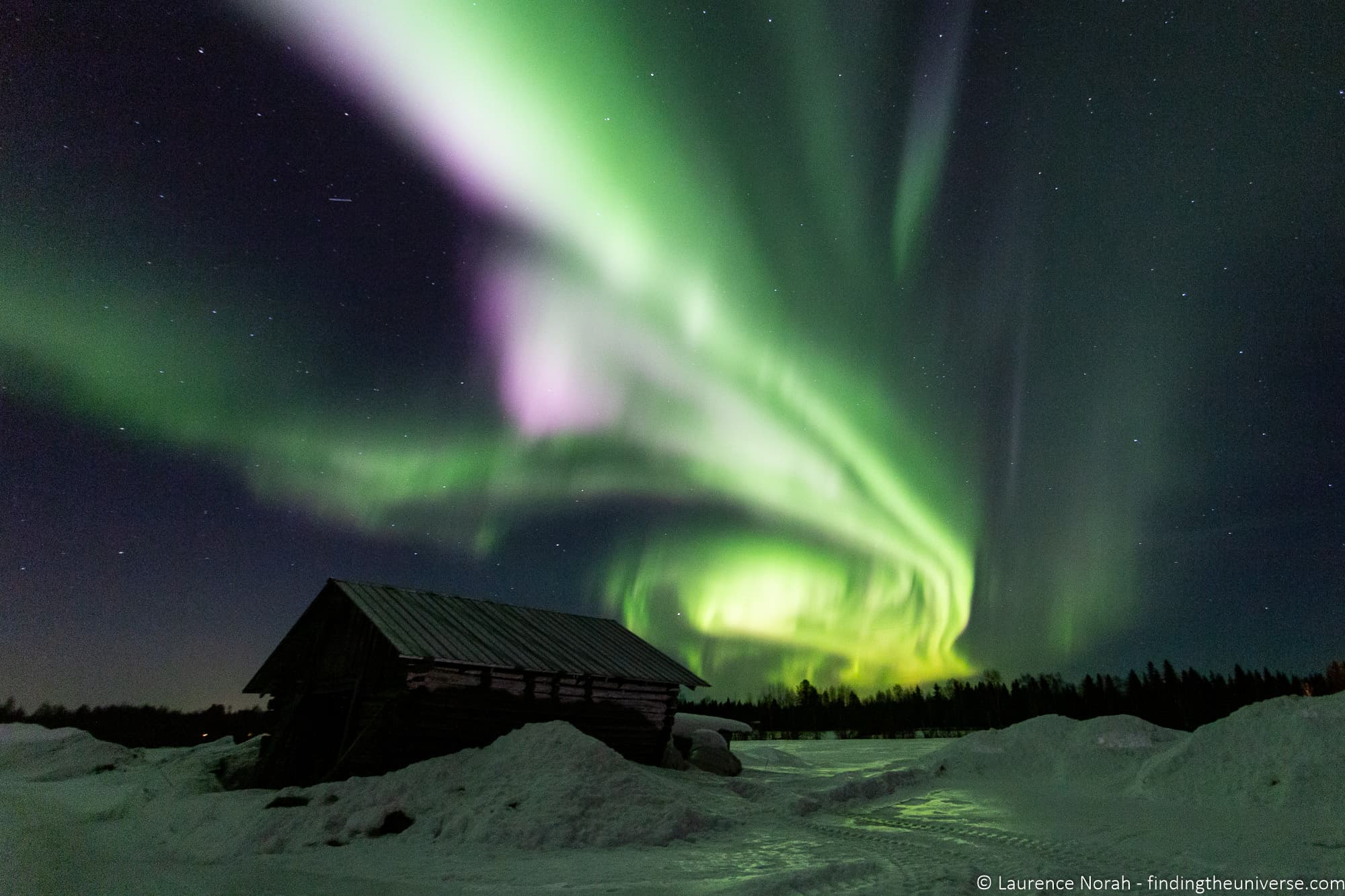 How to Photograph the Northern Lights - Finding the Universe