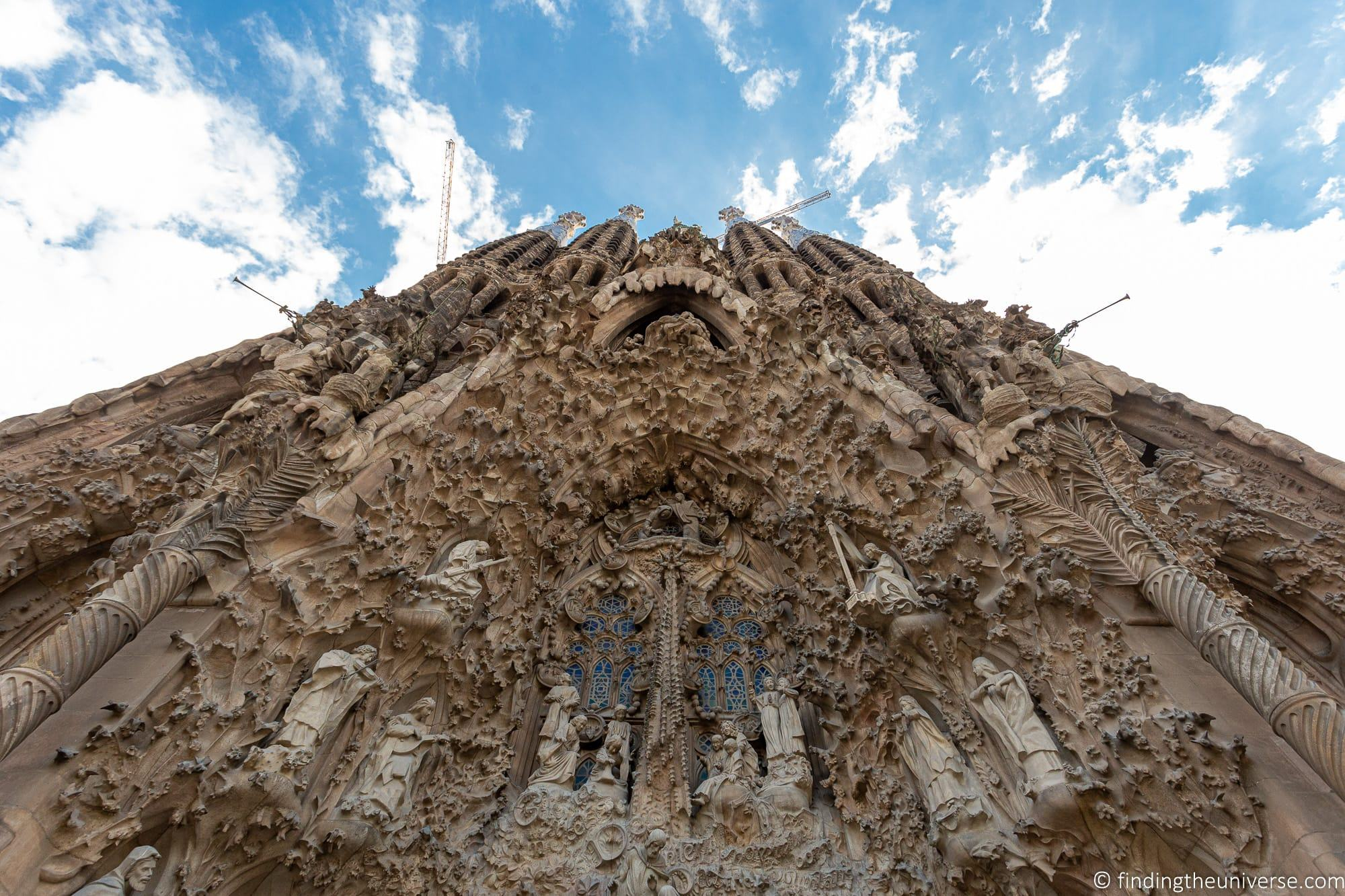Guide to Visiting the Sagrada Familia 2020: Tickets, Tips and More!