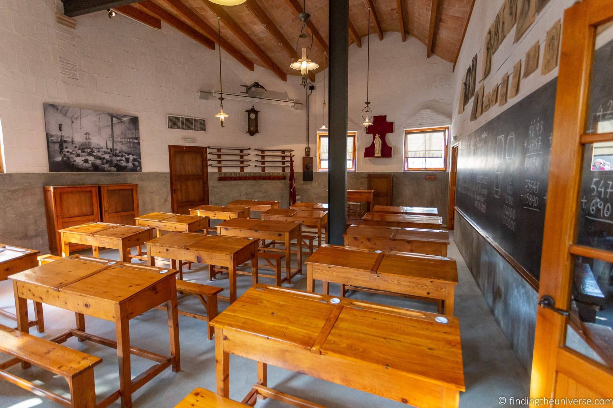 Sagrada Familia Schools