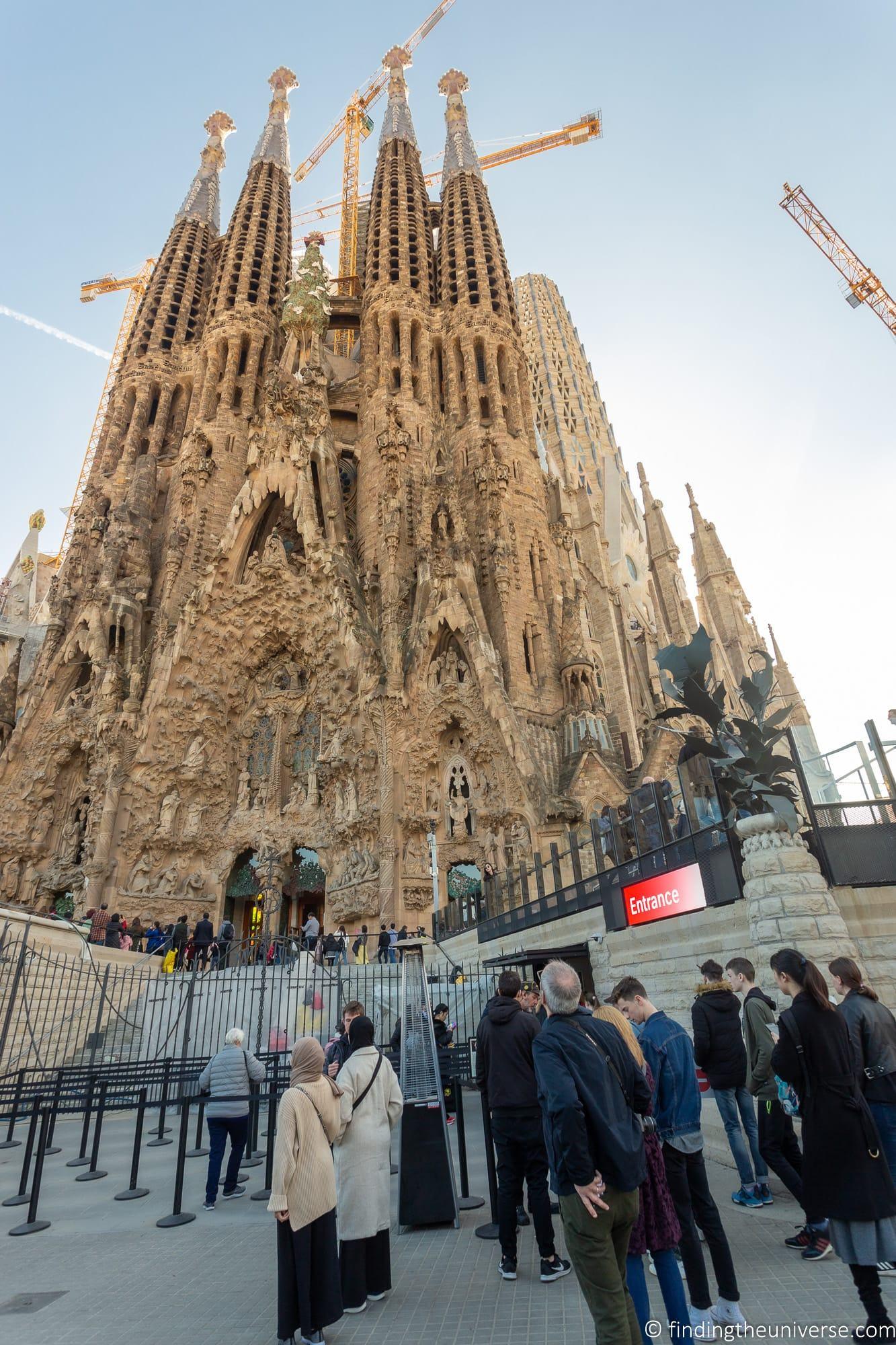 Sagrada Familia main entrance location
