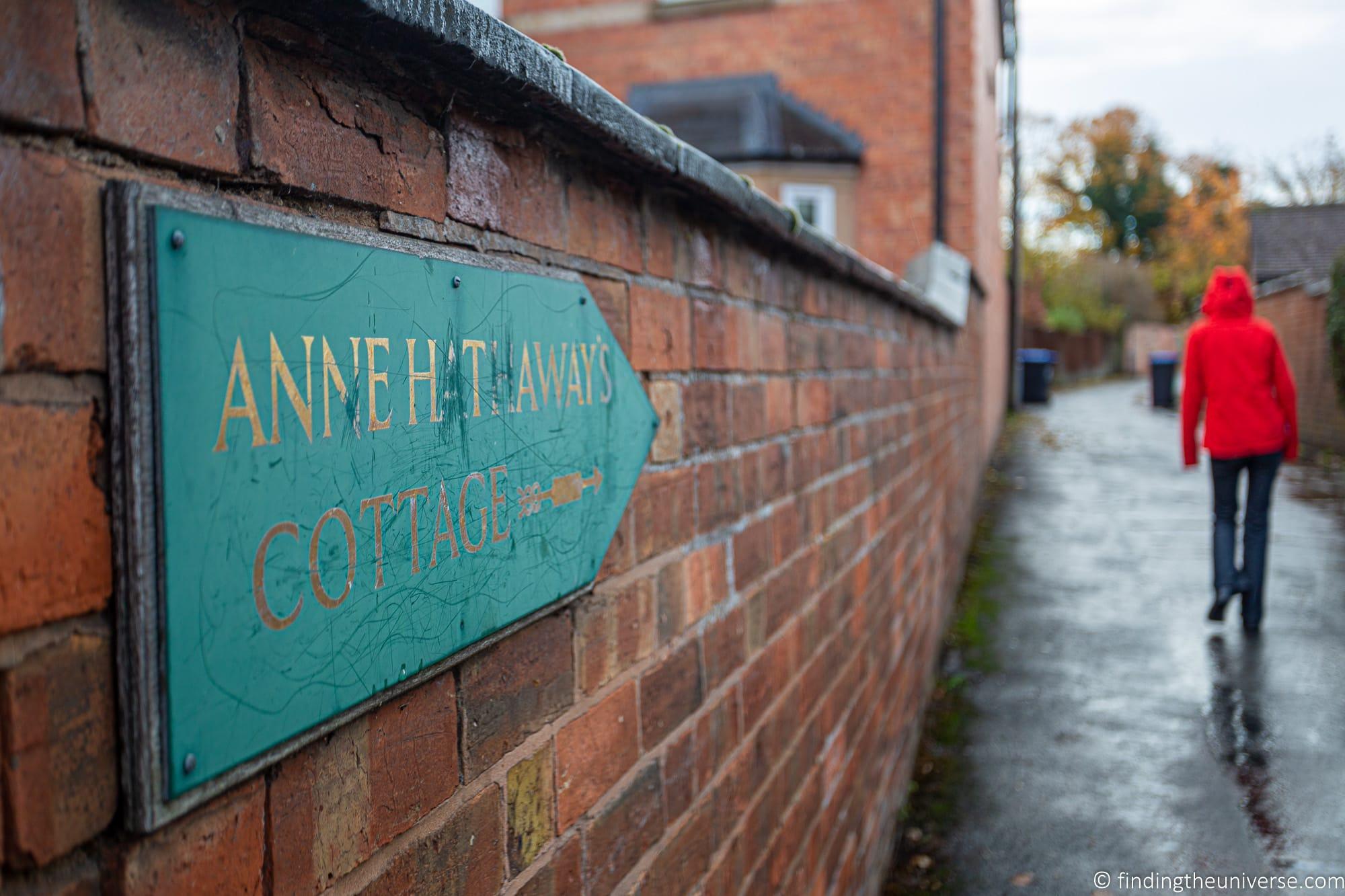 Path to Anne Hathaway's Cottage Stratford-Upon-Avon