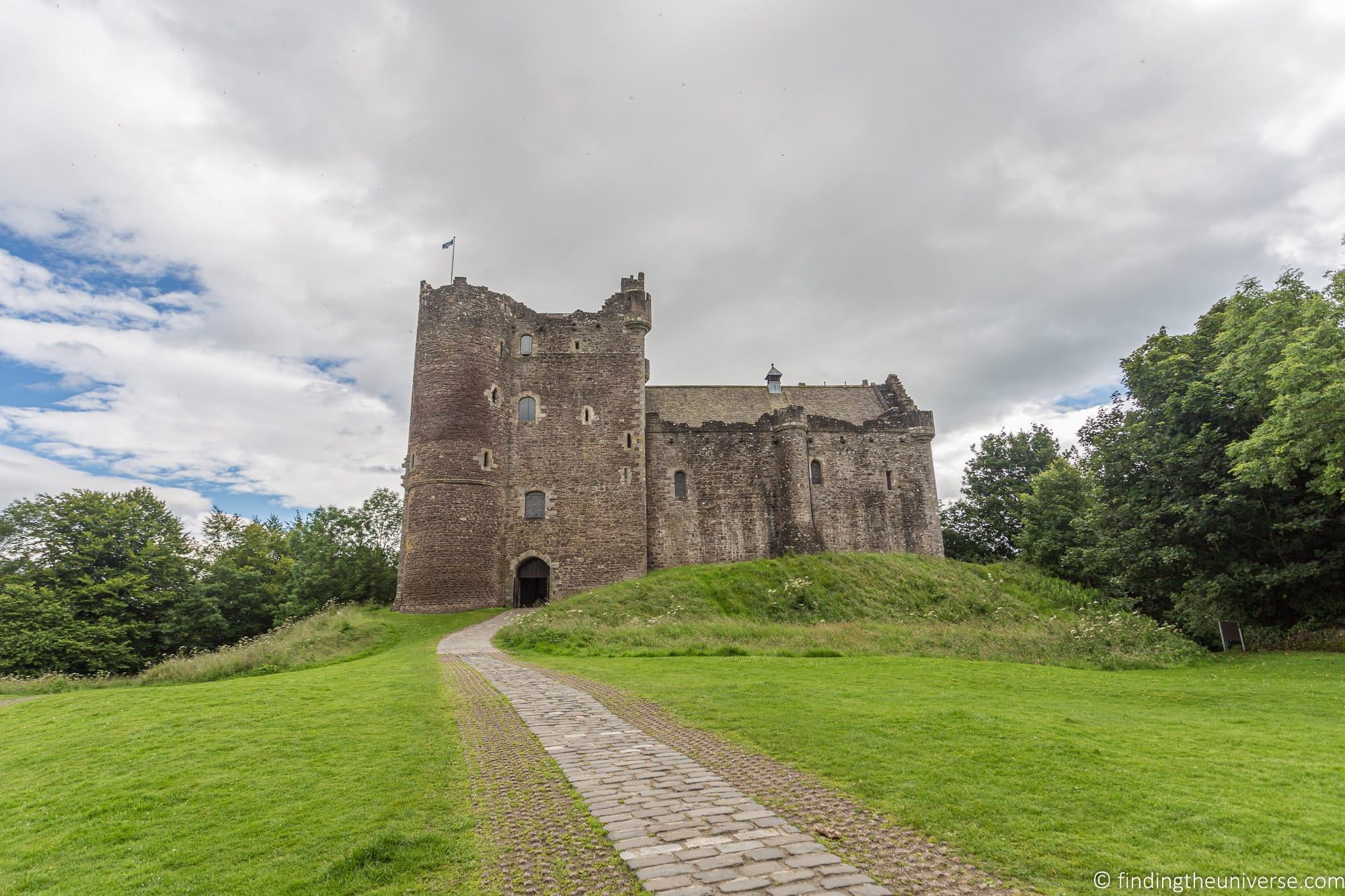 Outlander Filming Location - Doune castle